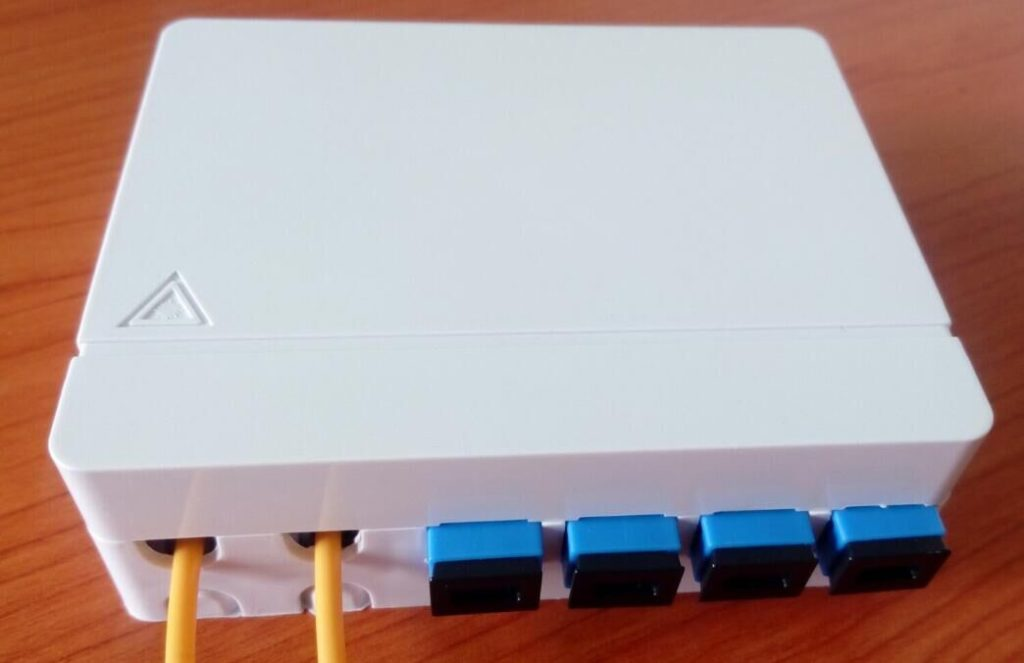 4ports-ftth-fiber-optic-terminal-box-ftth04d